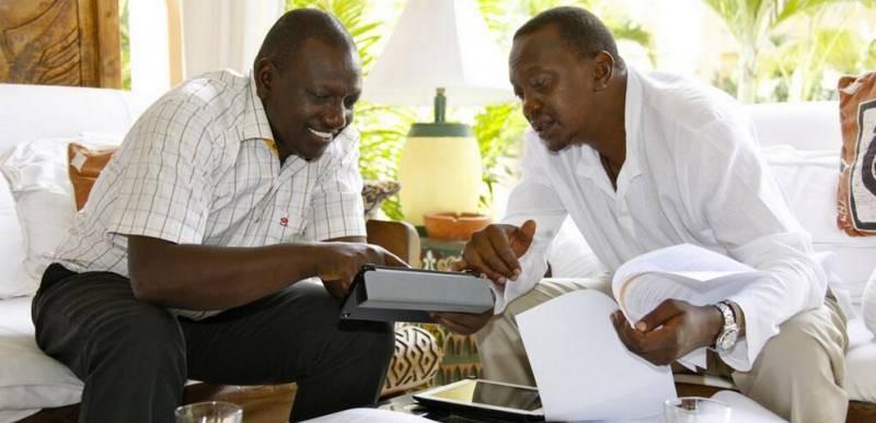 L-to-R Ruto and Presidentn Kenyatta