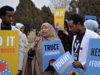 Mom speaks out against gun violence. Photo: (c) Issa Mansaray/ The AfricaPaper